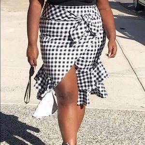 Faux wrap blk/wht checkered skirt